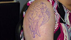 Tatuoinnin siirtokuva käsivarressa