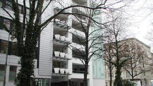 Moderni kerrostalo Berliinin Kreuzbergissä.