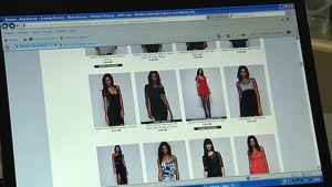 Vaatteita myyvän kaupan sivusto internetissä. Malleja vaatteita yllään.