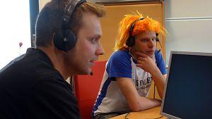 Sun Volley fanit Kari Vanhatupa ja Pekka Suopanki YLE Oulu Radion haastattelussa.