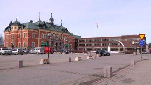 Haaparannan kaupunginhoitelli ja kaupungintalo