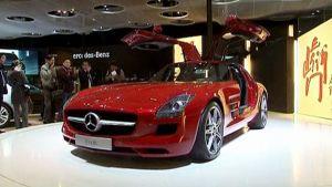 Auto Pekingin autonäyttelyssä