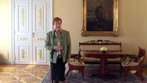 Presidentti Tarja Halonen antaa lausuntoa perustuslain muuttamiseksi Presidentinlinnassa 14. toukokuuta 2010.