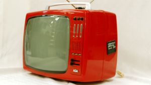 Televisiovastaanotin.