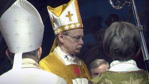 Kari Mäkinen vihitään arkkipiispaksi