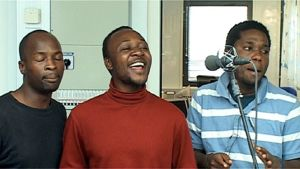Zambian Vocal Collection laulaa afrikkalaista ja suomalaista musiikkia.