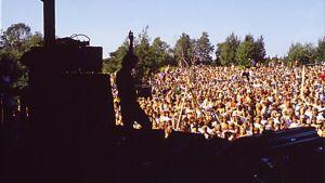 Vuonna 1973 ensimmäisen kerran järjestetty rocktapahtuma Kuusrock aloitti Oulun Kuusisaaren tien ympärivuotiseksi tapahtumapuistoksi