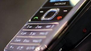 Lähikuva Nokian kännykän näppäimistä.