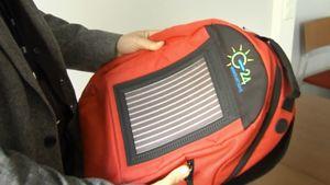 Aurinkokennollinen reppu.