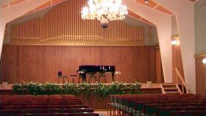 Imatran taideviikkotapahtumaan kuului v. 2004 Konserttihovin juhlakonsertti