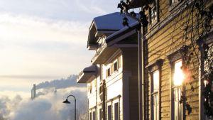 Vanhojen talojen ja mökkien lämmitys on tehtävä varoen.