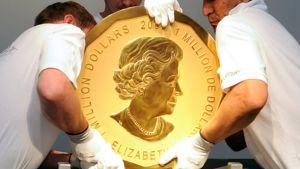 Satakiloinen huutokaupattu kultaraha