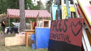 Faces-festivaalin rakentaminen on käynnissä Pohjan Gumnäsissä.
