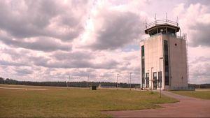 Tikkakosken lentoaseman lennonjohtotorni