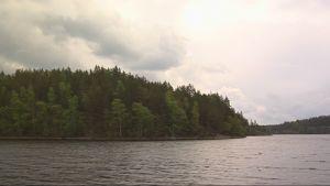Linnansaaren kansallispuiston maisemia.