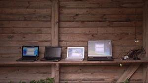 Kannettavia tietokoneita