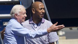 Yhdysvaltain entinen presidentti Jimmy Carter saattoi Pohjois-Koreasta vapautetun Aijalon Mahli Gomesin Yhdysvaltoihin.