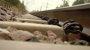 Kuvassa junaraide