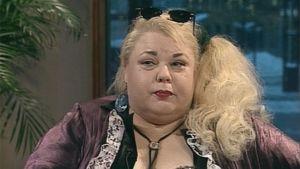 Anne taskinen, taiteilijanimeltään Heinäsirkka.