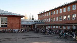 Lyseonpuiston lukio eli Lyska