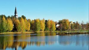 Rovaniemi kylpee ruskan väreissä