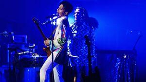 Laulaja Prince esiintyy Roskilden festivaalilla vuonna 2010.