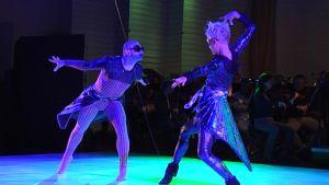 Tanssiteatteri ERI:n Yö-tanssiteos.