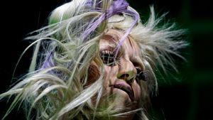 Lady Gaga esiintymässä.