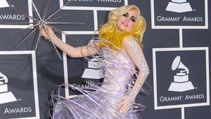 Lady Gaga saapumassa Grammy-palkintogaalaan.