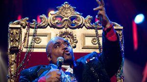 Soul-laulaja Solomon Burke esiintymässä.