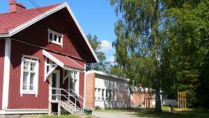 Miina Äkkijyrkän koulu Iisalmen Lappetelän kylässä.