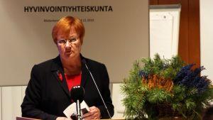 Tarja Halonen puhui Kuopion mielenterveyspäivillä.