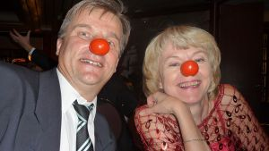 Iloista väkeä nenägaalassa 2010.