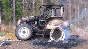 Poltettu traktori