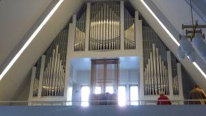 Länsi-Porin kirkon uudet barokkiurut.