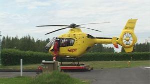 Pelastushelikopteri Sepen tukikohta sijaitsee Oulussa.