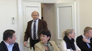 Valtakunnansovittelija Esa Lonka saapuu neuvotteluihin
