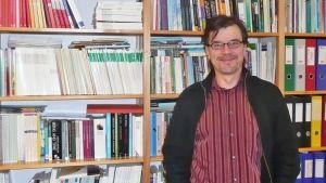 Lapin yliopiston yhteiskuntatieteiden tiedekunnan dekaani, psykologian professori Juha Perttula