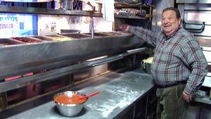 Dennis Rafkin on virallisesti eläkkeellä, mutta hänet näkee silloin tällöin keittiössä.