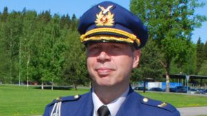 Karjalan lennoston komentaja eversti Ari Jussila.