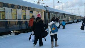 Matkustajajuna on saapunut Rovaniemelle.