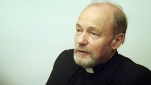 Kirkkoherra Petri Karttunen.
