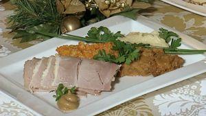 Perinteistä jouluruokaa lautasella
