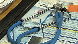 Stetoskooppi pöydällä