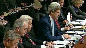Nimityskuulemisen puheenjohtaja John Kerry