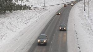 Autoja, moottoritie, talvi