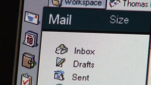 Sähköposti tietokoneen ruudulla