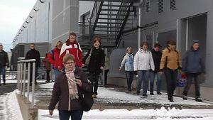 PKC Groupin työntekijät marssivat ulos Kempeleessä.