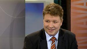 YLEn vaaliasiantuntija Sami Borg kuntavaalien kommentaattorina 2008.