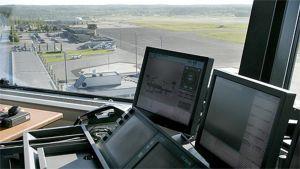 Näkymä Pirkkalan lentokentän lennonjohtotornista